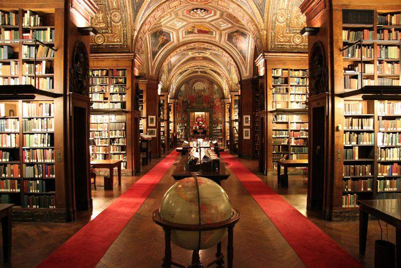 Снится Библиотека