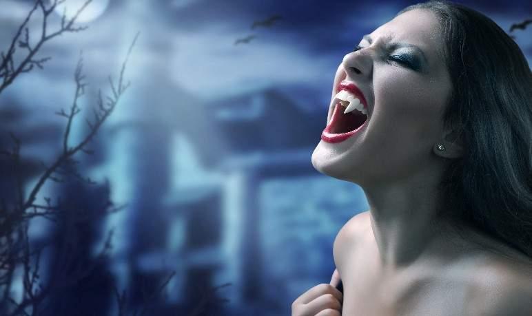 Снится Вампир