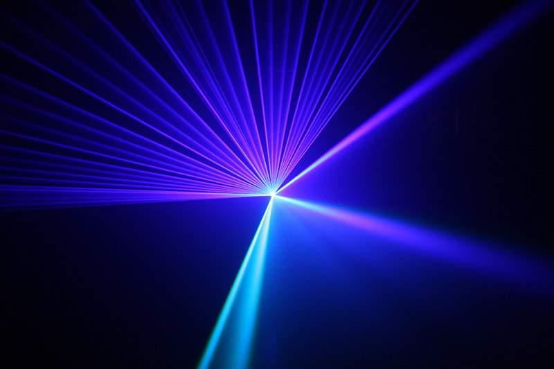 Снится Лазер