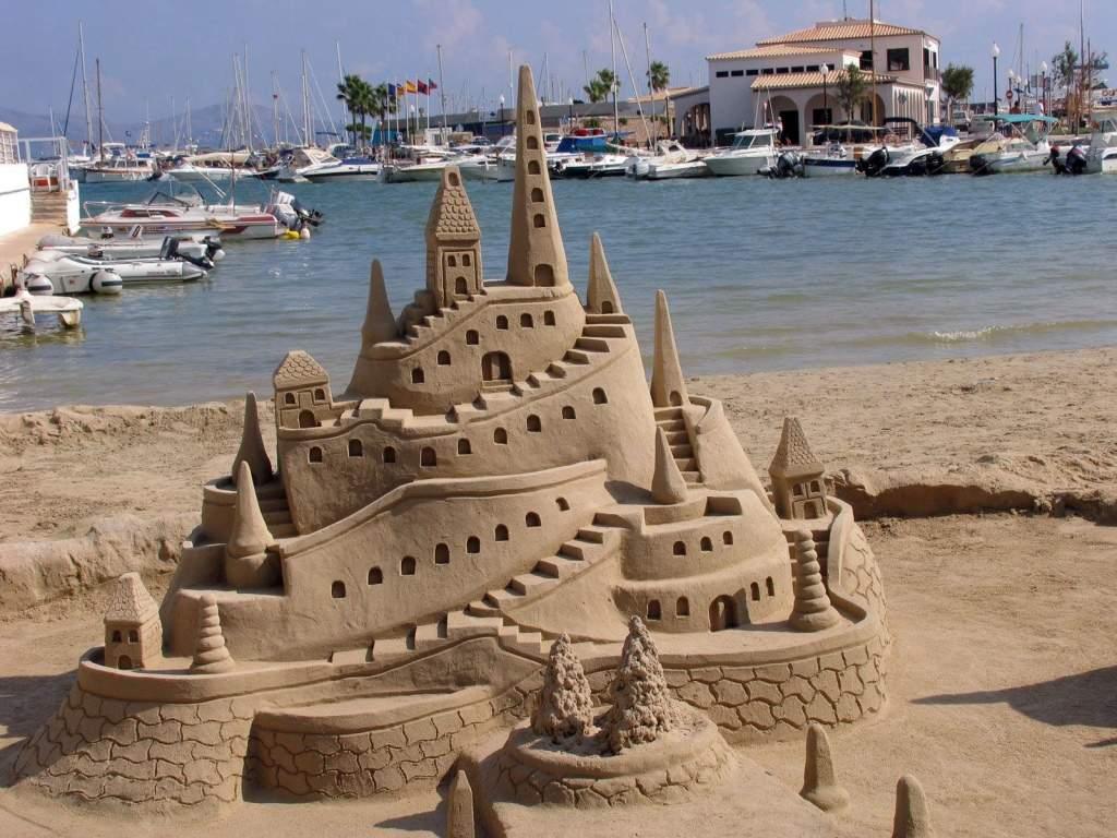 Замок из песка