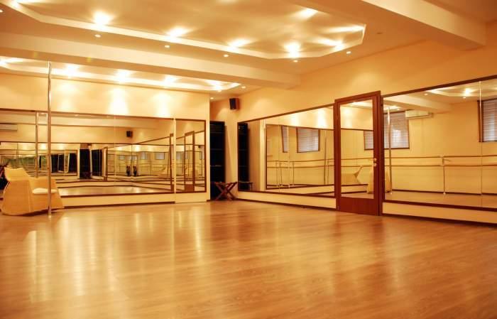 Снится Танцевальный зал