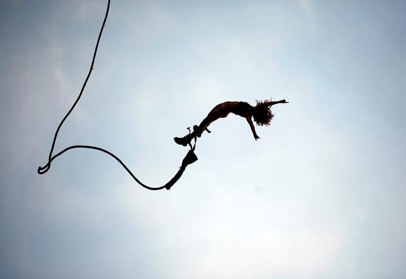 Снится Прыжок на эластичном тросе