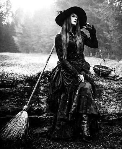 Ведьма (ворожея)
