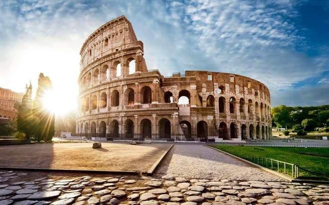 Снится Колизей