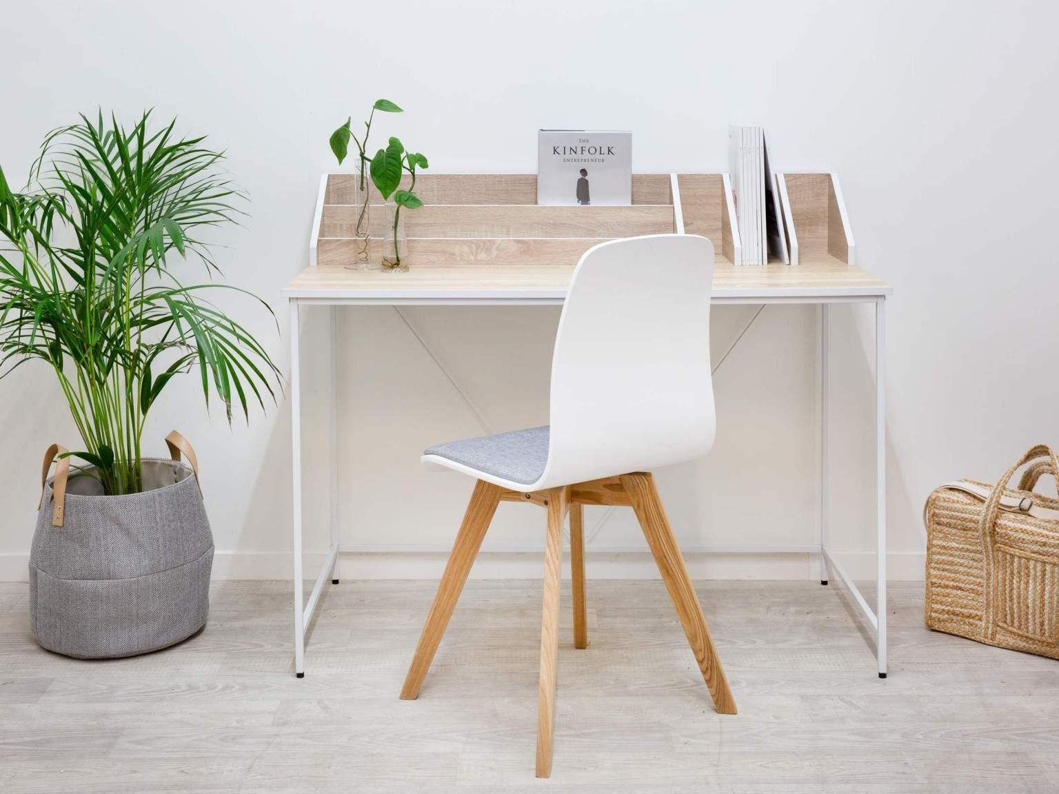 Снится Письменный стол