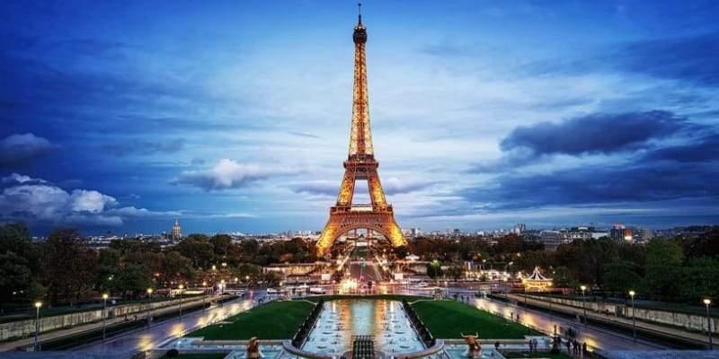 Снится Эйфелева башня
