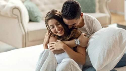 Любимый мужчина обнимает толкование сонника