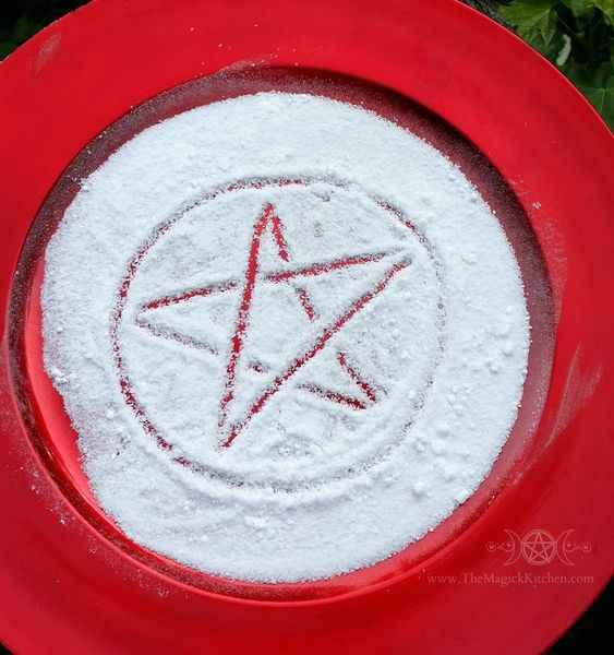 21872 5 простых заклинаний для начинающих ведьм: любовь, защита, успех и многое другое