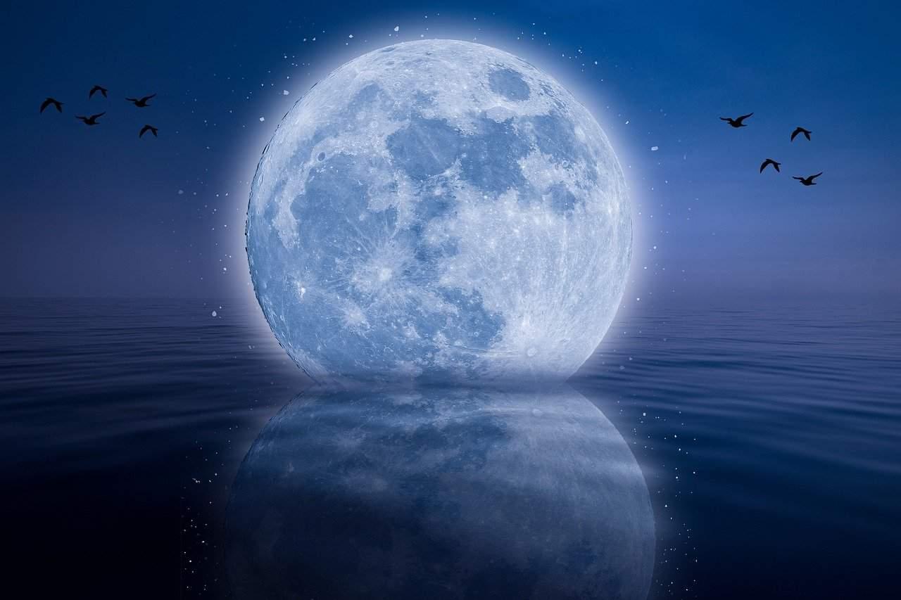 moon 6514800 1280